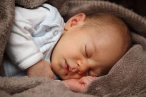 Kūdikio apsauga nuo nužiūrėjimo