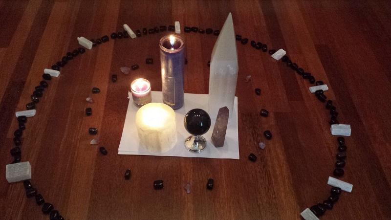 Maginis saulegrįžos ritualas apsivalymui nuo negatyvo